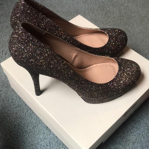 7d071428bea8f Size 10 platform glitter heels. NWT. Olsenboye